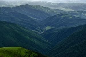 Вид на Мармаросы с горы Поп Иван. Карпаты. Украина