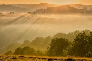 Рассвет над г. Воловец. Карпаты, Украина
