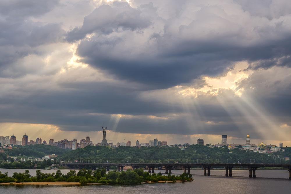 Облачный закат. Киев