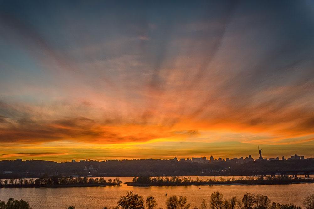 Осенний закат. Киев