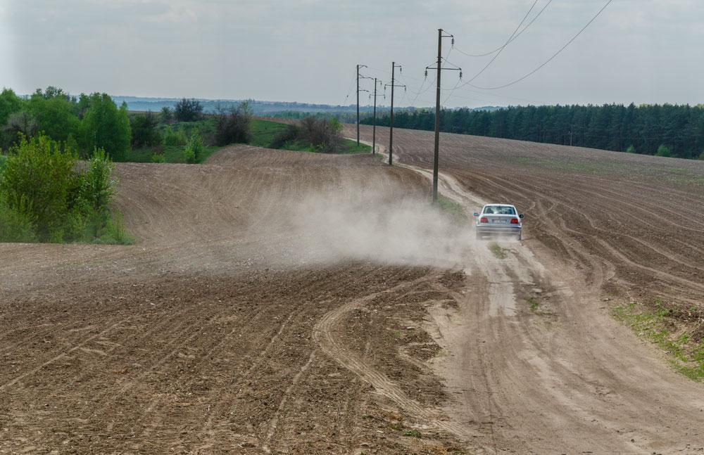 Дорога в полях. Каневский район
